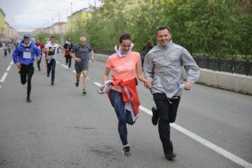 Norilsk people go running for the sake of children