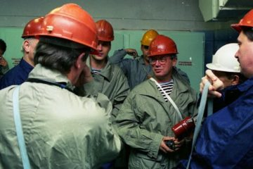Sir Andrew Wood visited Norilsk in autumn 1998