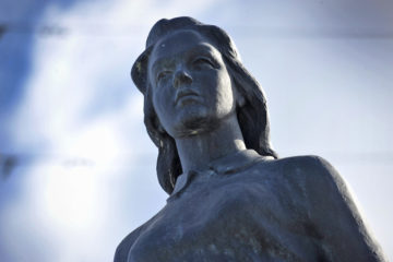 First city sculpture in Norilsk depicted mysterious girl