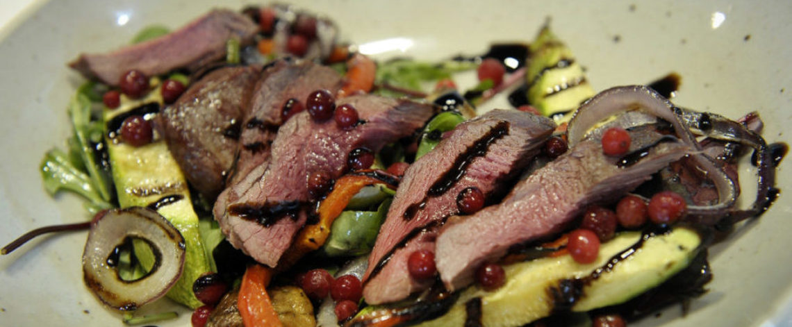 Grilled venison salad is good taste and health combination